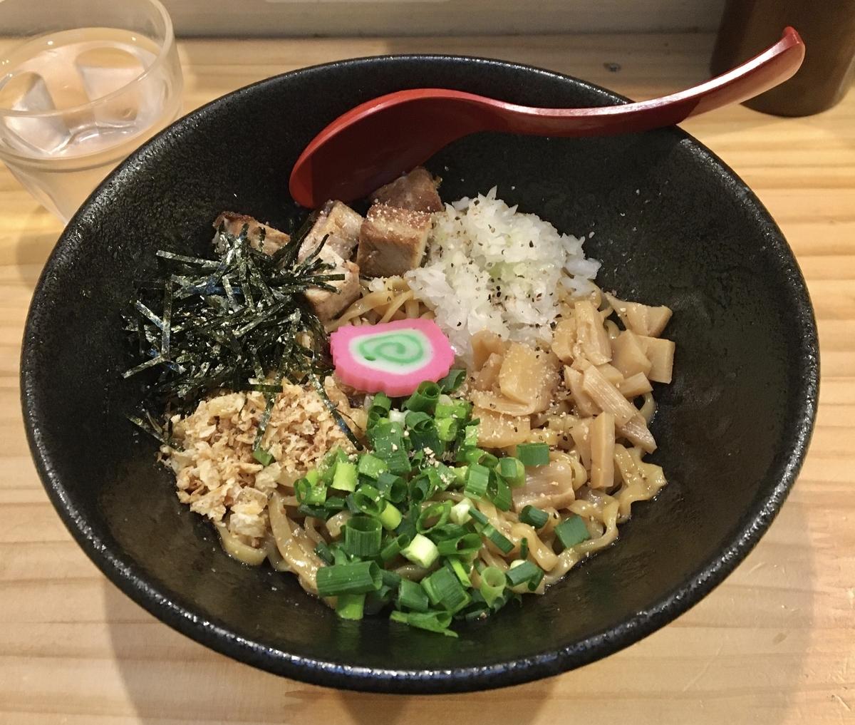 f:id:yusuke-to-yondekudasai:20191217110403j:plain
