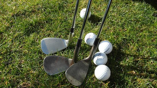 ゴルフのクラブのサンドウェッチ
