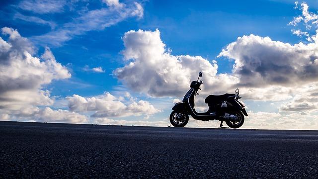 バイク スクーター 画像