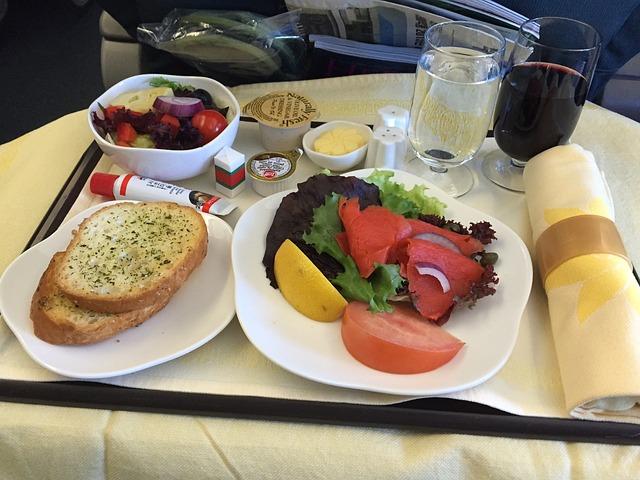 機内食 ビジネスクラス 画像