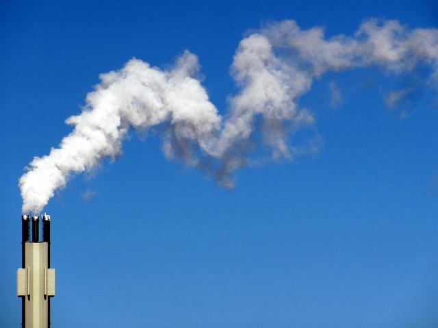 モクモクとでる煙の画像