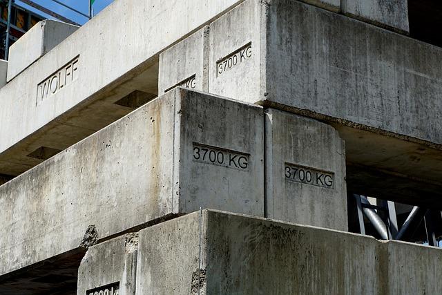コンクリート打ちっぱなしのデメリット 黒ずみ 画像