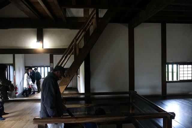 犬山城 急な階段 写真