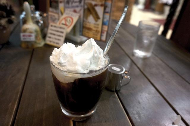 べら珈琲 アイスのウインナーコーヒー