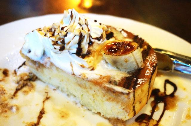 星乃珈琲店 チョコバナナのスフレパンケーキ おいしい