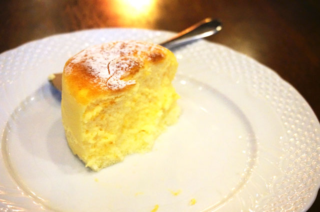 星乃珈琲 スフレチーズケーキ 大きさ