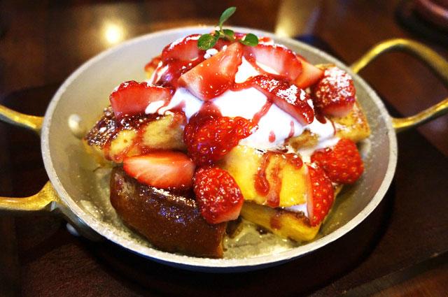 星乃珈琲 苺フェア 苺のフレンチトースト