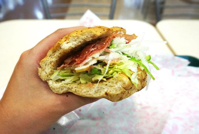 サブウェイ BLT サンドイッチ おいしい