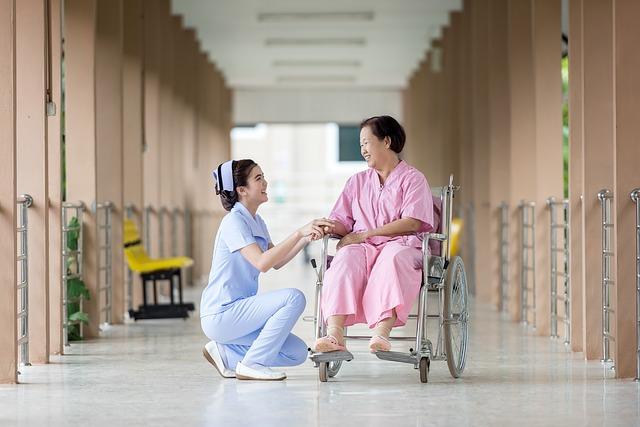 病院での患者と看護婦