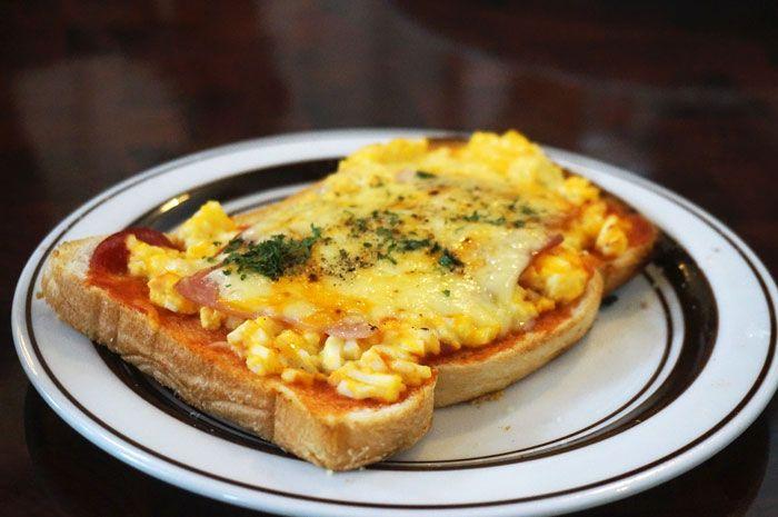 星乃珈琲のハムチーズトースト