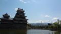 [旅行][風景][景色]松本城とバックの美ヶ原