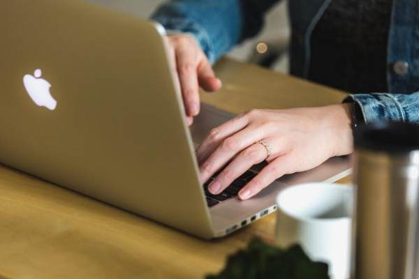 MacBookで作業