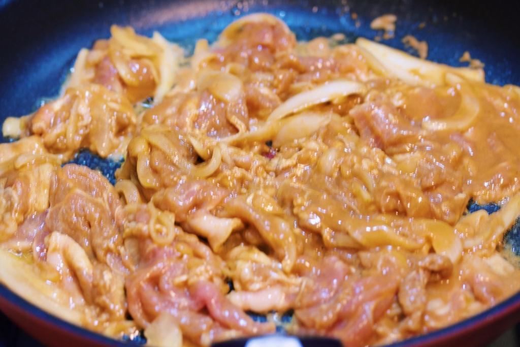 【ゆる自炊】ポリ袋で安い! 早い! うまい! お肉やわらか「豚カレー丼」【今週は夏丼】