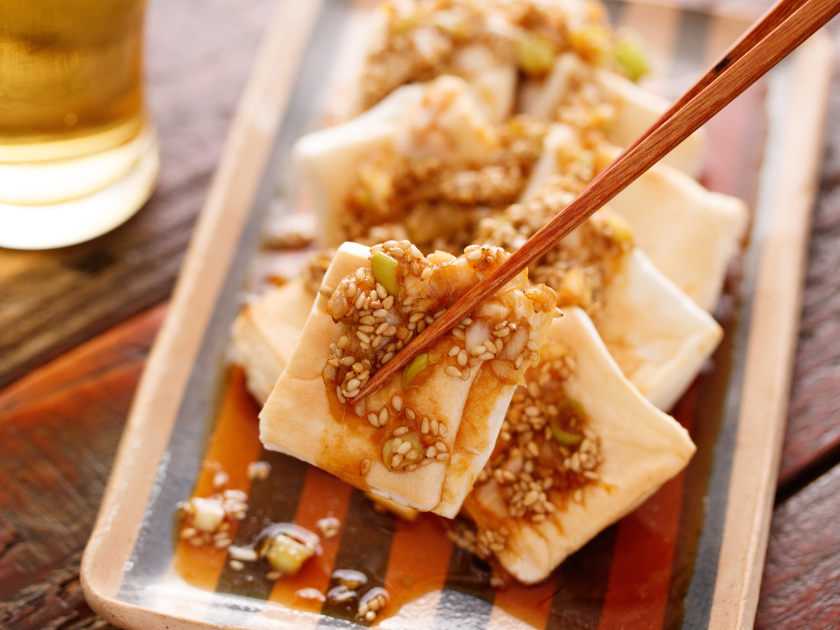 """かけるだけで""""美味しい""""が約束される鉄板ダレの「はんぺんの油淋鶏風」【Yuu】"""