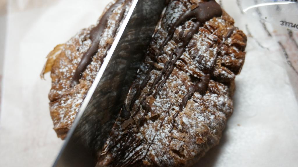 ショコラデニッシュチョコ 切断1
