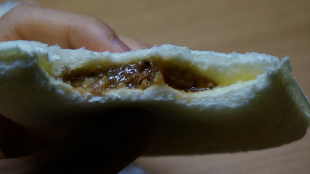 ランチパックカルビ焼肉&マヨネーズ 中身