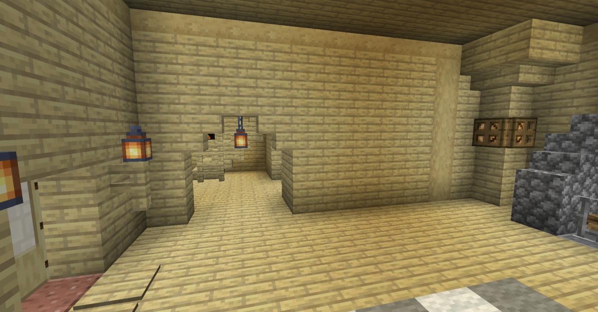1階中央の壁