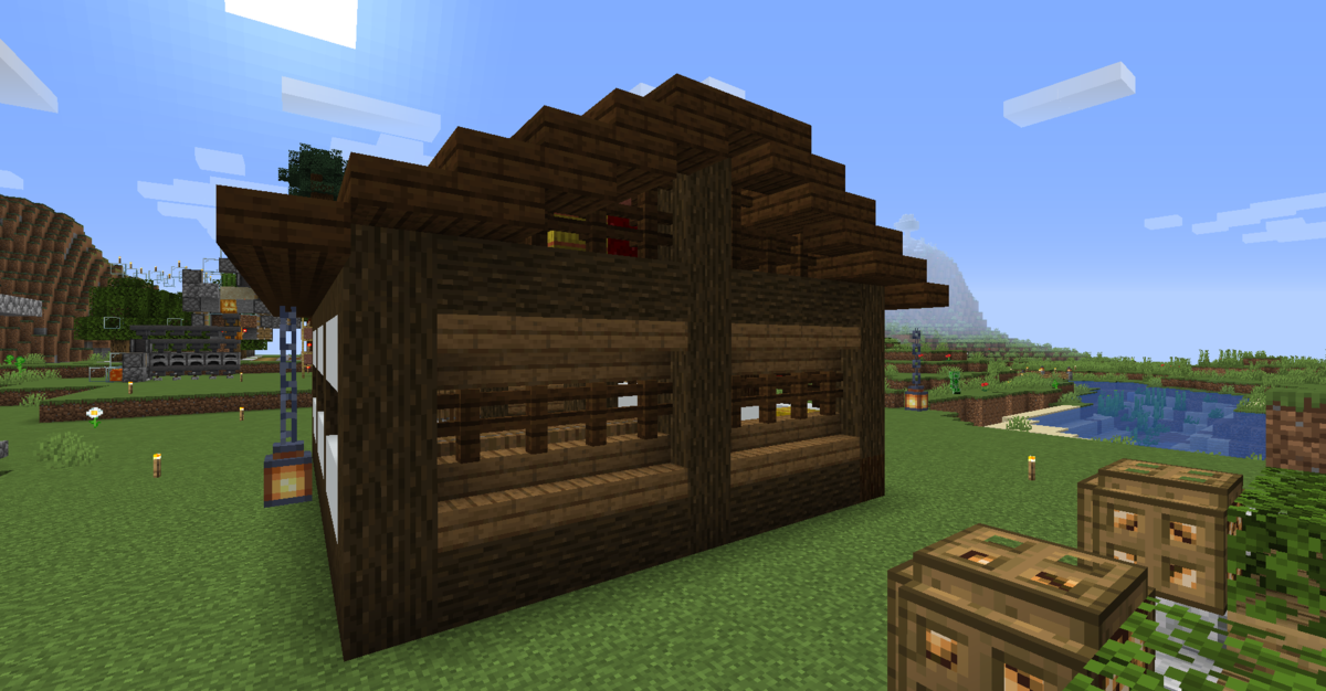 小屋の後ろ