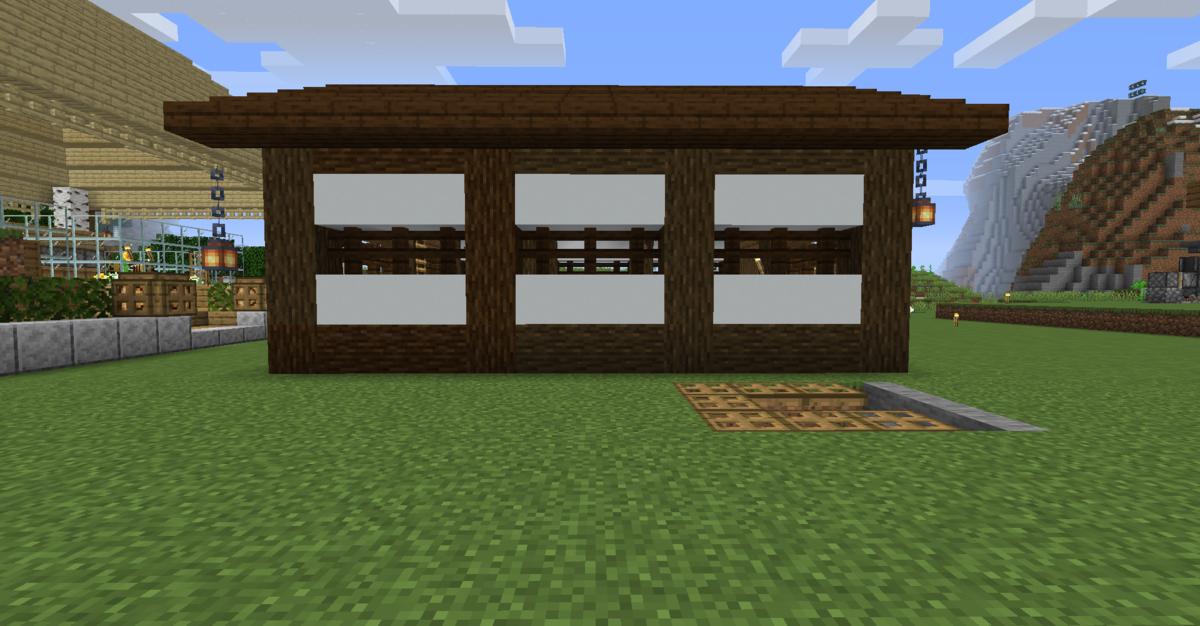 小屋の左側