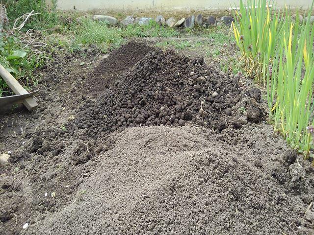 メロン用の土(篩い分け後)