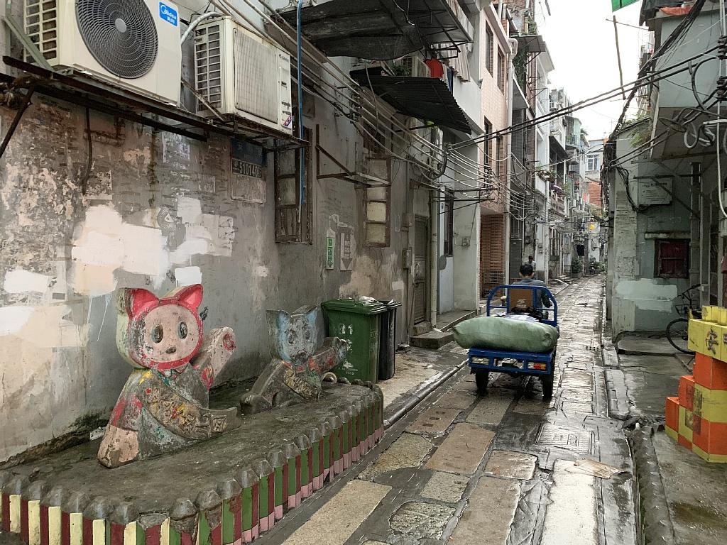 広州汕頭深圳の旅の記事を書きました。あと、日本人観光客、中国(大陸)に行かない問題についての画像