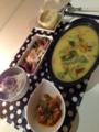チンゲンサイときのこのクリームシチューー サラダ菜と卵のバターソ