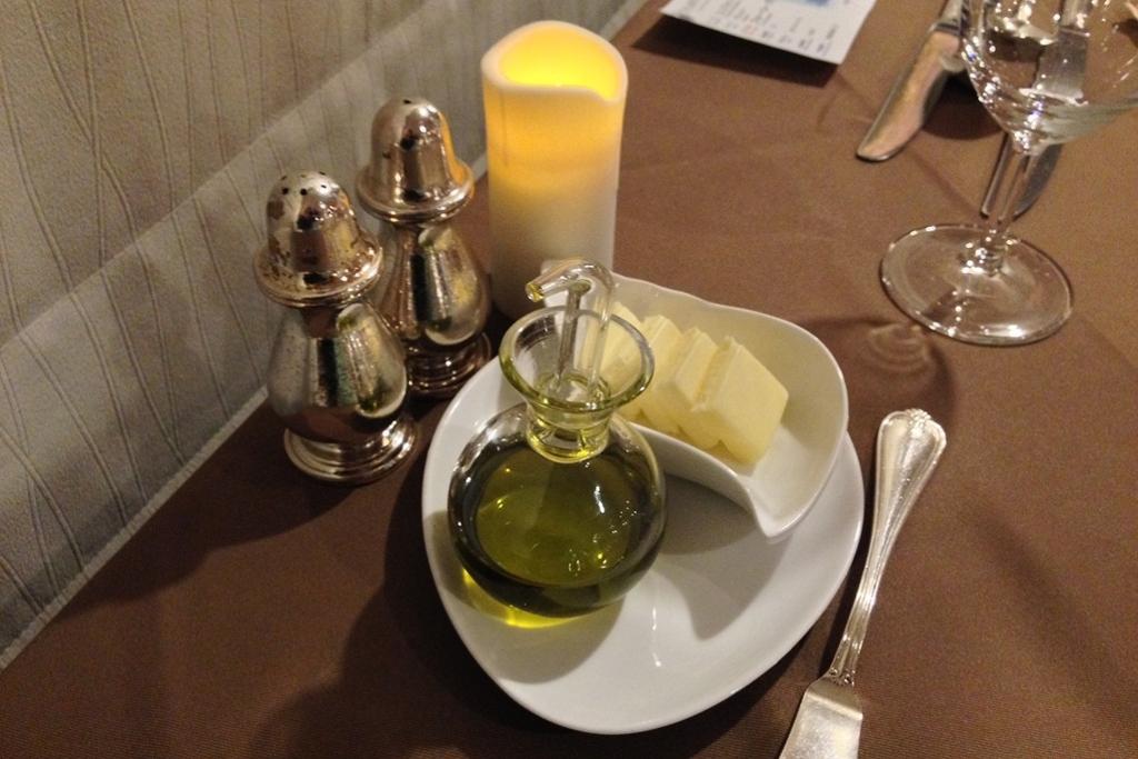 オリーブオイルとバター