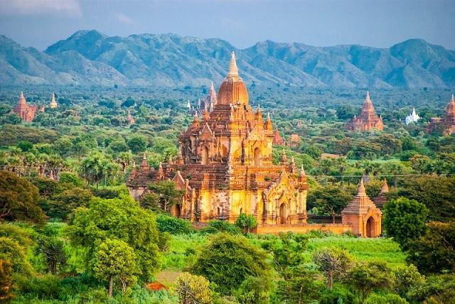 ビルマのストゥーパ(卒塔婆)