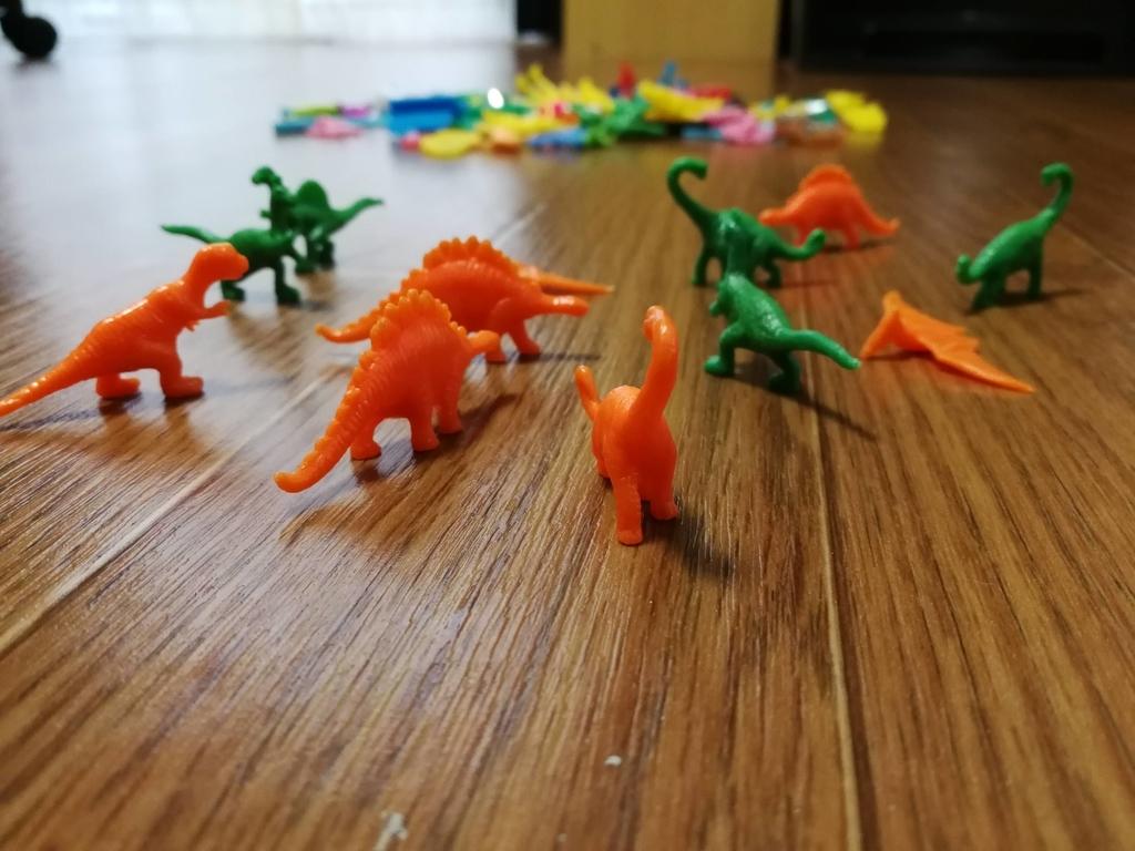 フエラムネ玩具恐竜シリーズ