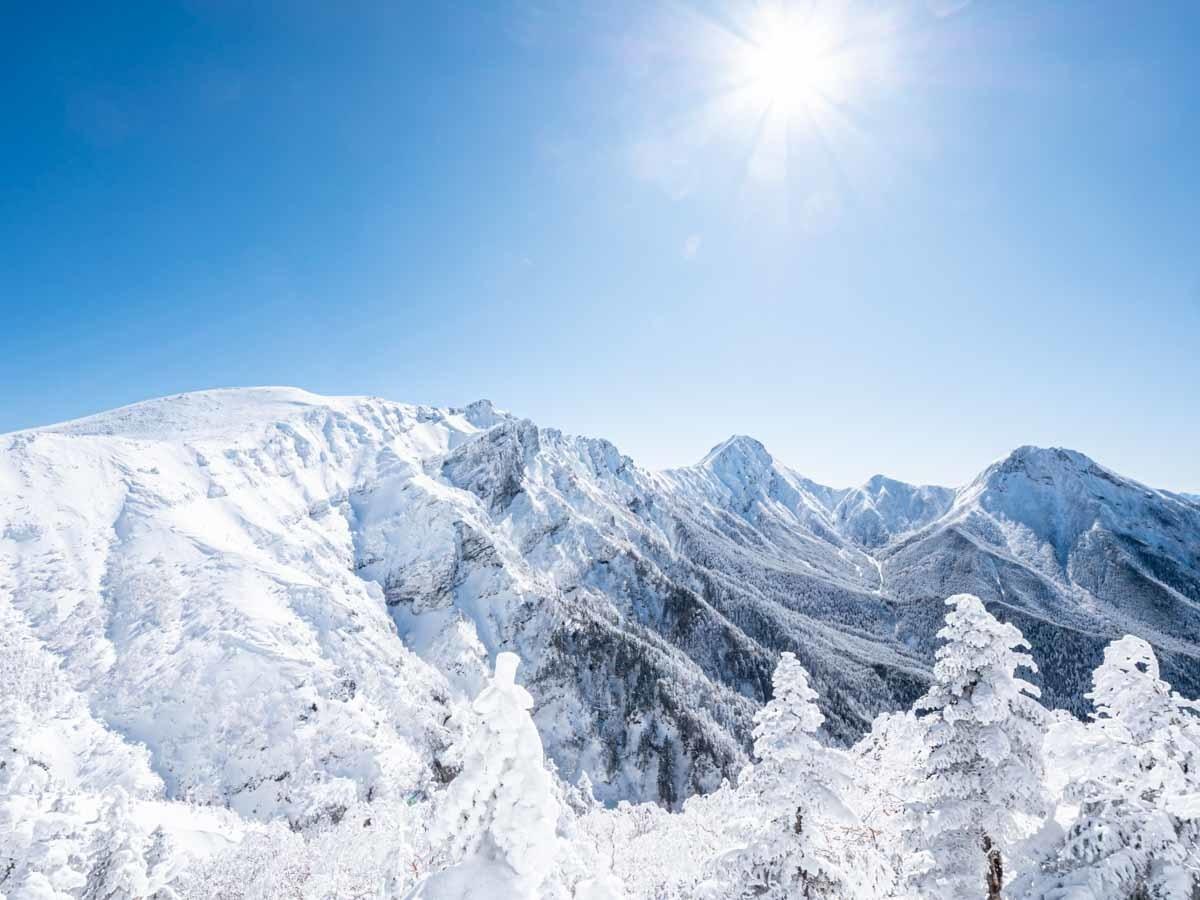 硫黄岳から見た赤岳