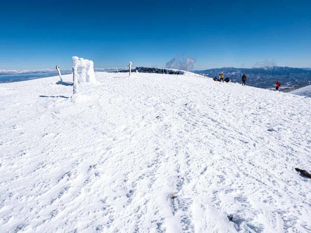 冬の硫黄岳山頂