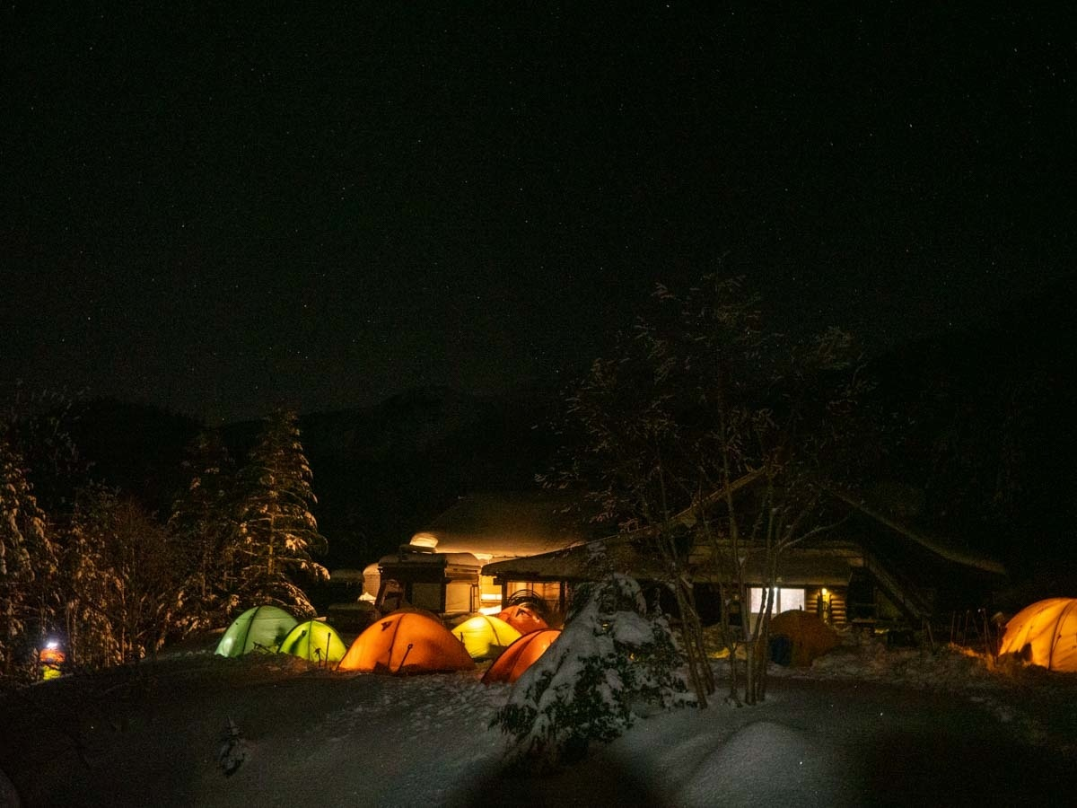 行者小屋のテント村
