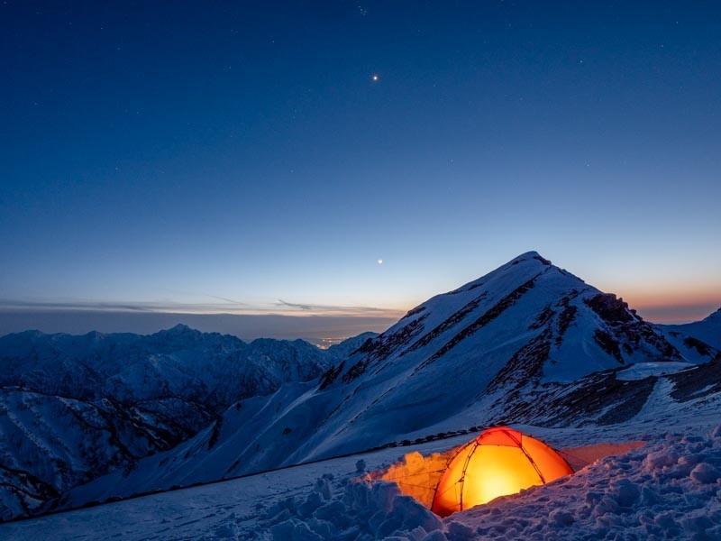 ヒルバーグソウロを冬山で張る