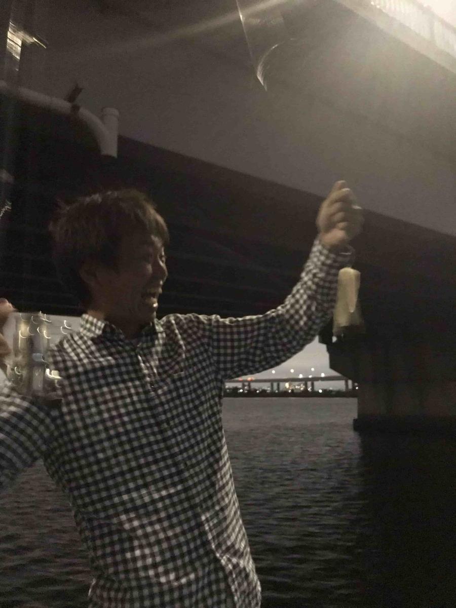 平井大橋うなぎ釣りの餌にタチウオ投下