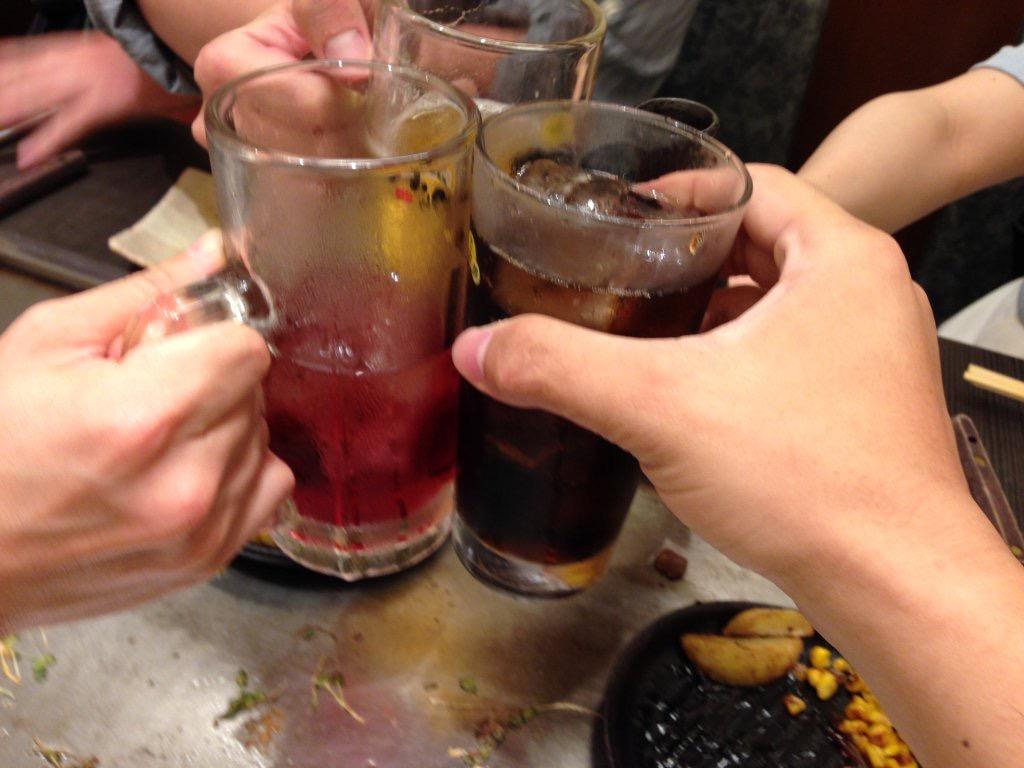 4人で乾杯