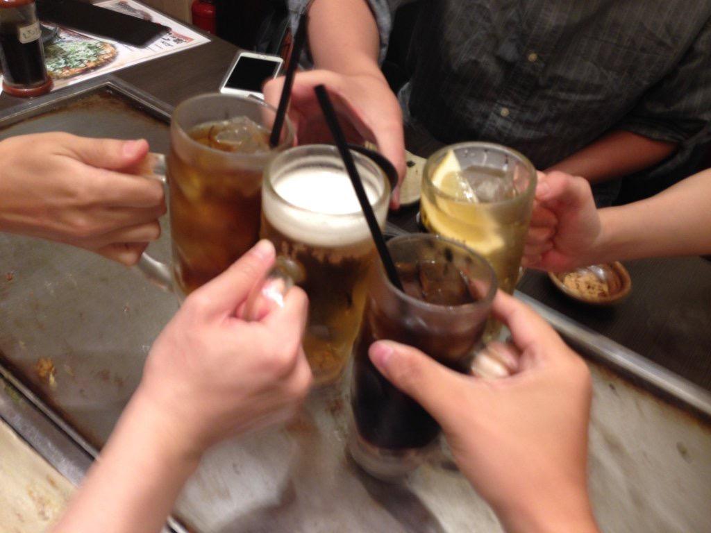 5人で乾杯