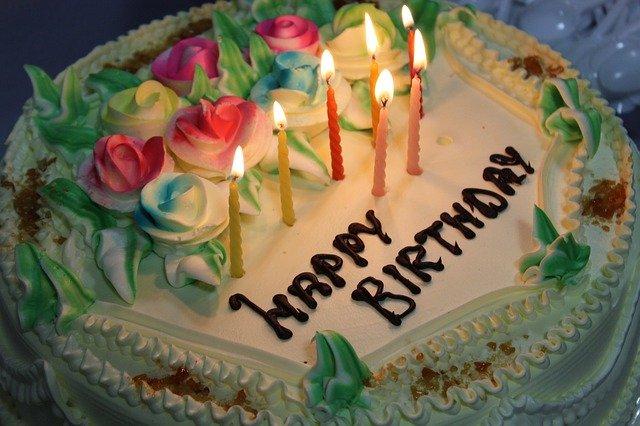 機内でお誕生日を祝ってもらえないクレーム-CAの裏話