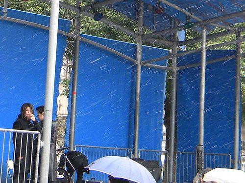 Z旗@雪の池袋西口公園