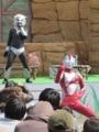 [ショー]多分にアドリブ分多いがマイクとスーツの連携が見事